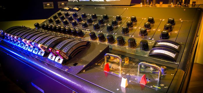 Low End screen shows an old analog mixing console